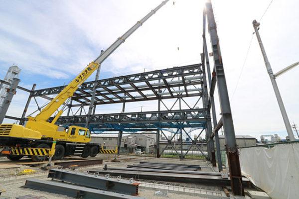 大型倉庫 鉄骨建方開始!